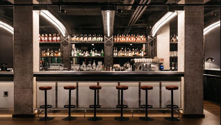 vị trí quầy bar khách sạn