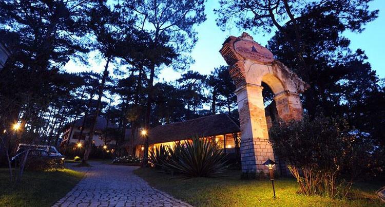Honeymoon khách sạn Đà Lạt