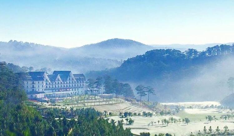khách sạn góc nhìn ban công đẹp