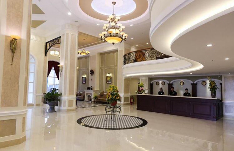 sảnh khách sạn tình nhân
