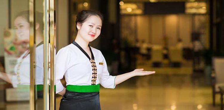 nhân viên lê tân khách sạn