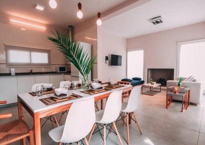 Khách Sạn Azalea Luxury Lodge: Thiết Kế Ấm Áp